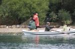 Amatör balıkçılar yem için ağ seriyor. Gökova (c) SAD-EKOG C.O. Kıraç
